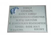 model tablicy pamięci lotników poległych w Gdyni Babich-Dołach