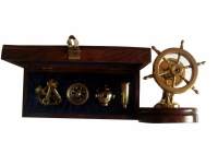 zestaw upominkowy oraz dziadek do orzechów- koło sterowe
